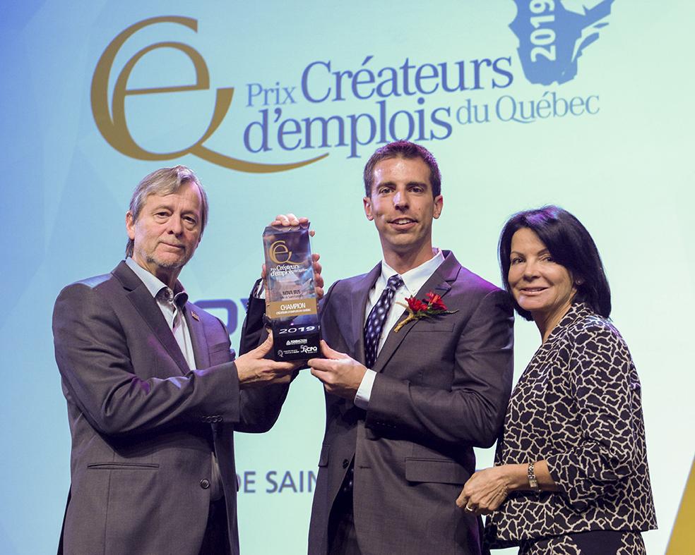 Nova Bus, gagnant du Prix créateurs d'emplois du Québec dans la catégorie Champion pour la région des Laurentides