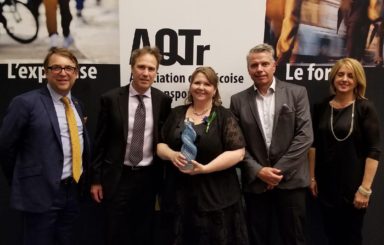 Nova Bus remporte le prix du public aux grands prix d'excellence en transport 2018