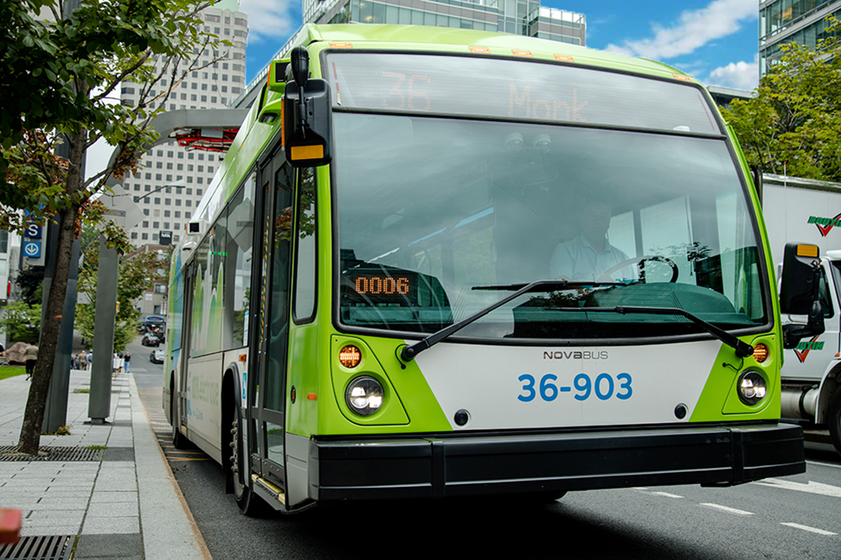 New order of electric buses for Montreal