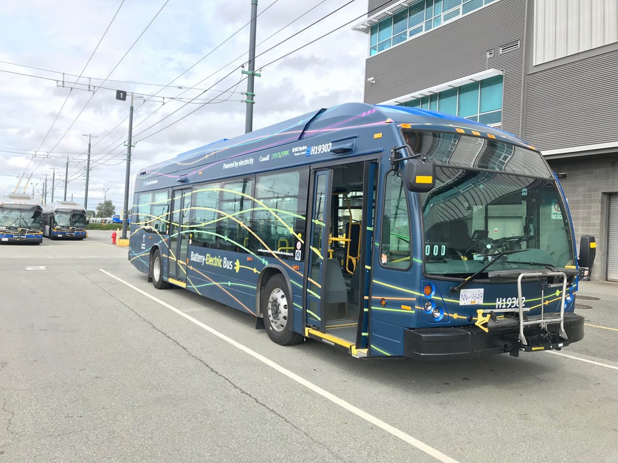 Nova Bus delivers two electric buses in Vancouver as part of the CUTRIC Project